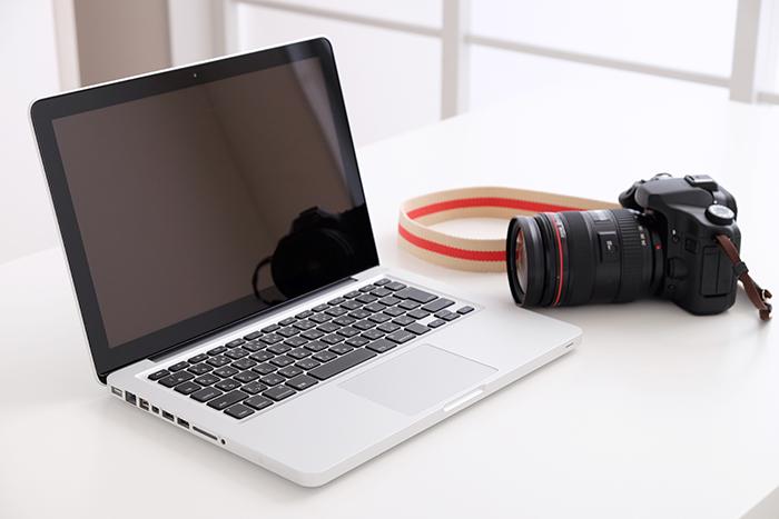 パソコンとカメラ